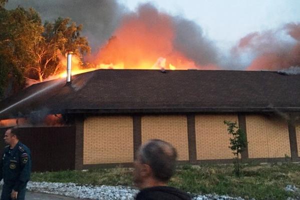 Спасатели боролись с пожаром три часа