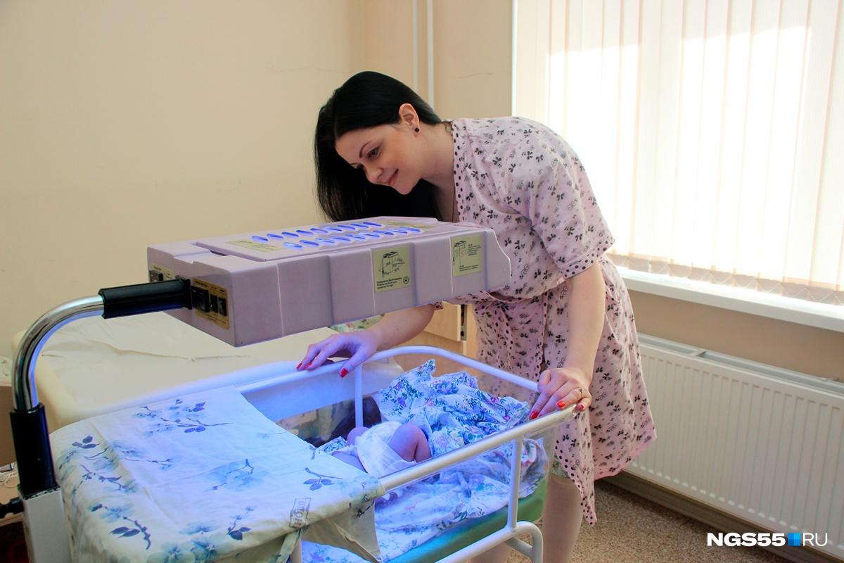 Радио для беременных, 3D-иконы и зимний сад: заглядываем в областной роддом на Берёзовой