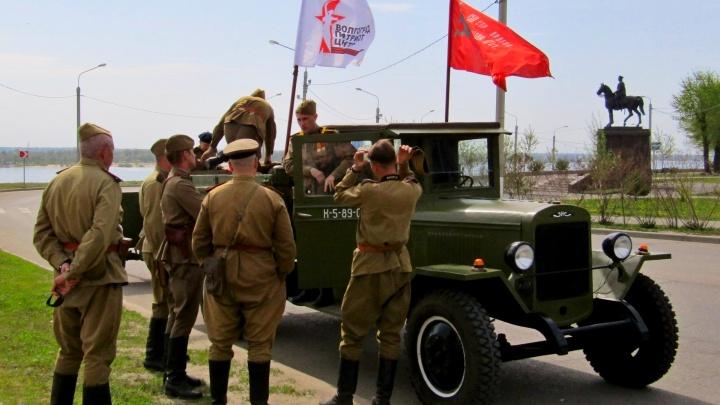 «Захар», «полуторка» и танки: волгоградские реконструкторы прокатят ретротехнику по «Дорогам Победы»