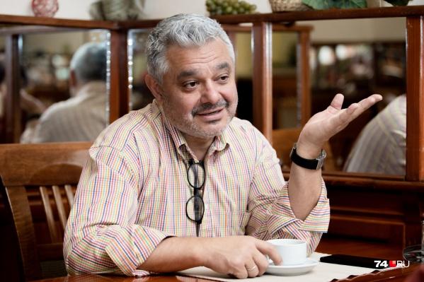 В 90-е годы прошлого века Владимир Маринович торговал на рынке джинсами и видеомагнитофонами