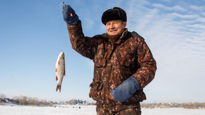«Не к подругам же мы ходим»: рассказываем об одном дне из жизни рыбаков-фанатов