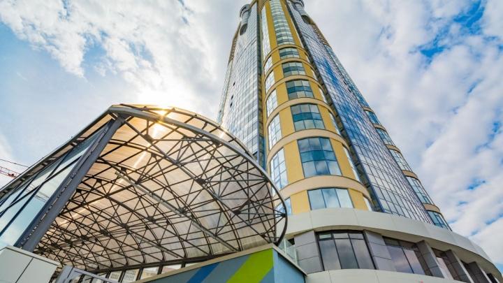 Взмывая выше неба: подборка квартир в небоскрёбах