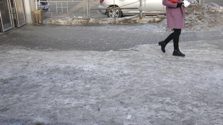 Сибиряк— значит фигурист: тротуары превратились в каток