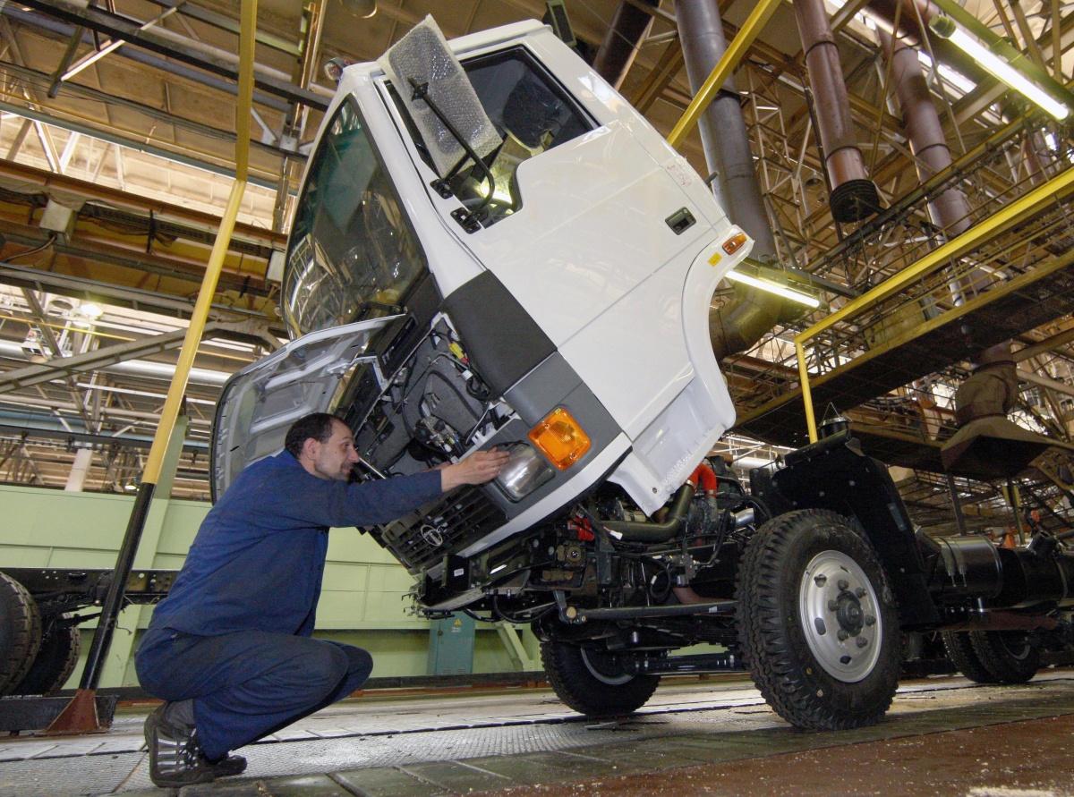 Сборка индийских грузовиков TATA Motors