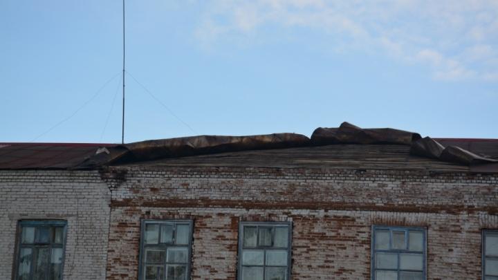 У «Путника» сорвало крышу: в Башкирии из-за порыва ветра пострадало детское учреждение