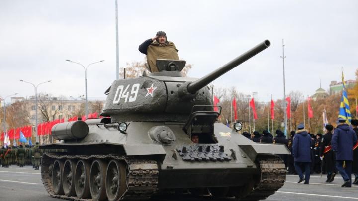 Ил-2 в небе, Т-34 на земле: как в Самаре пройдет парад Памяти