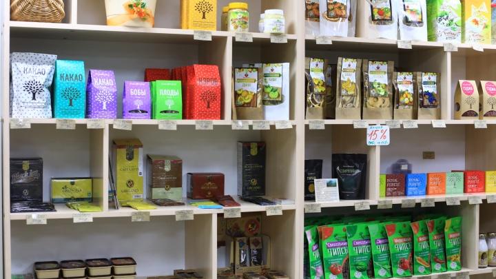 «В супермаркетах нормальной еды нет»: где берут здоровое питание красноярцы. Советы вегана и тренера