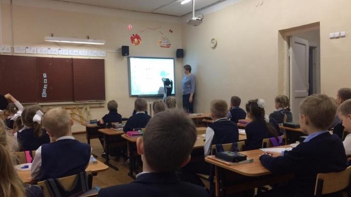 Ученики архангельской школы №51 учатся дистанционно из-за затопленного подвала здания