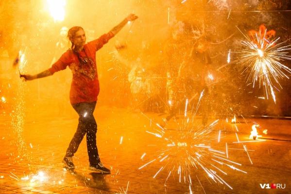 Яркое шоу в этот раз пройдет в Краснооктябрьском районе