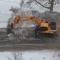 Вот так не только лед убирают с дорог, но и асфальт