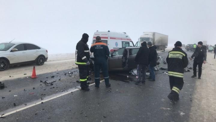 В реанимации умер водительFord, лоб в лоб столкнувшегося с маршруткой на московской трассе