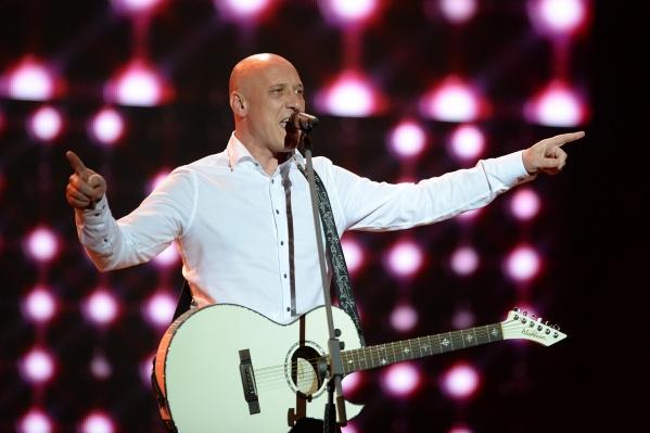 Денис Майданов известен как певец и автор хитов, которые исполняют многие российские поп-звёзды