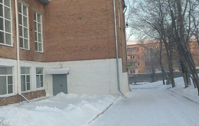 Прокуратура заставила мэрию демонтировать опасный забор в Красноярске