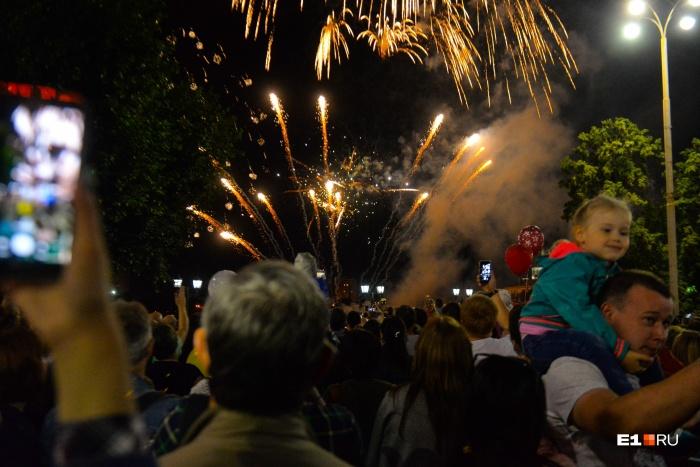 Традиционный фейерверк — в 22:30 18 августа
