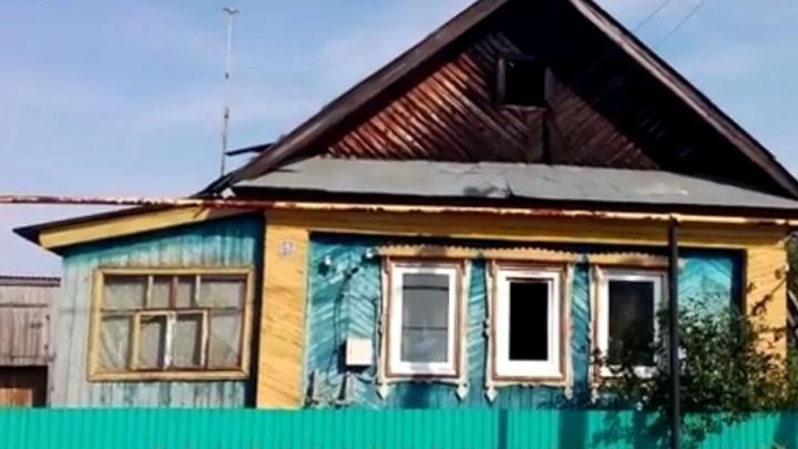 В Башкирии от удара молнии сгорел жилой дом
