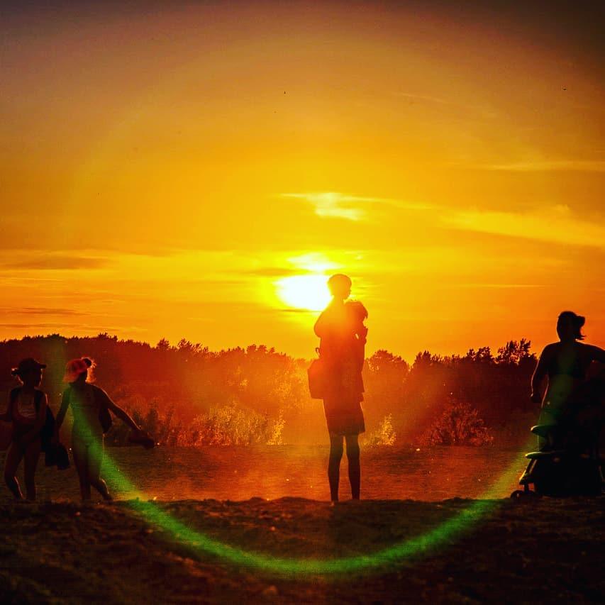 Каждый второй новосибирец ловил кадры уходящего солнца