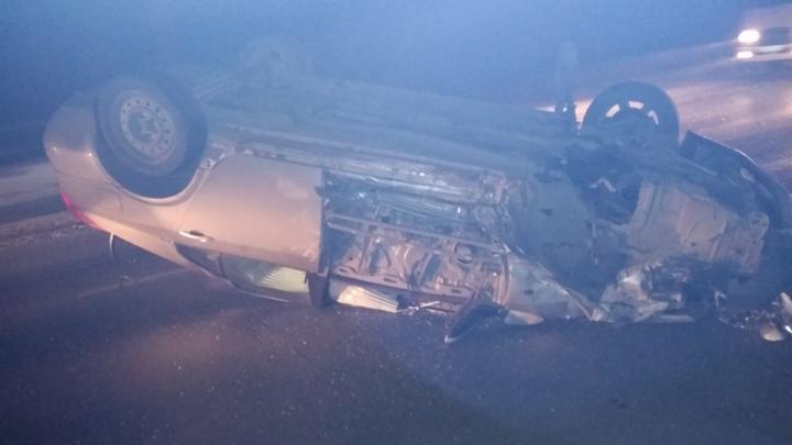 «Тойота» легла на крышу после ДТП на Мочищенском шоссе