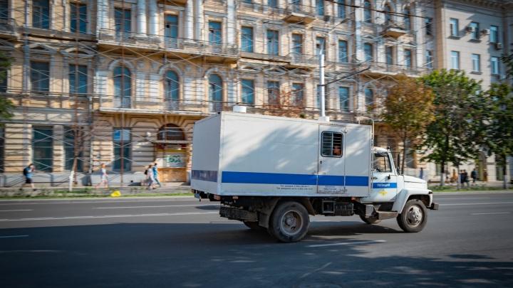 В ростовском наркопритоне поймали мужчину, ранившего из-за двух тысяч рублей прохожего