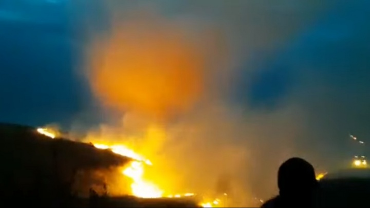 Уфимских спасателей отправили тушить пожар в Оренбургской области