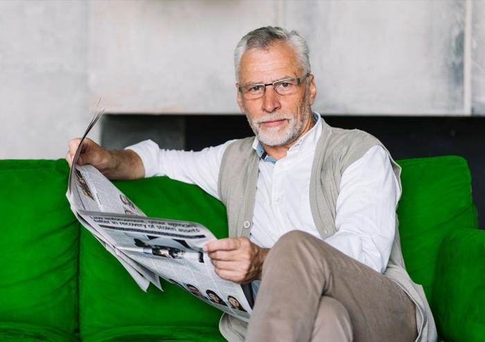 Ухудшение зрения вблизи — постепенный процесс, который начинается после 40 лет