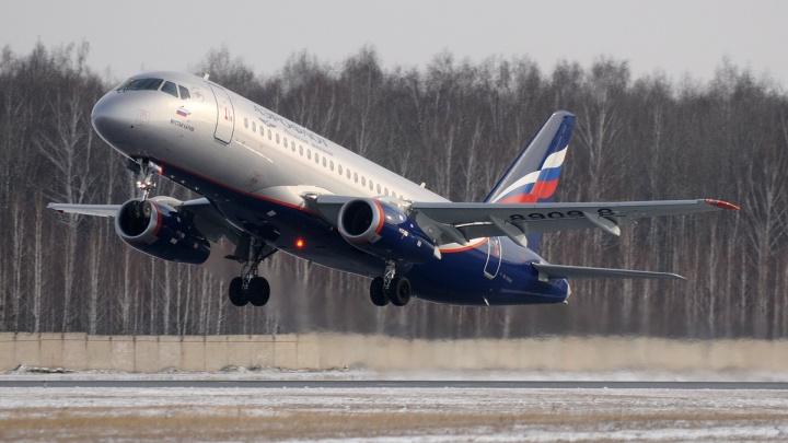 В Москве на взлетной полосе образовалась очередь из лайнеров, среди них — и рейс до Уфы