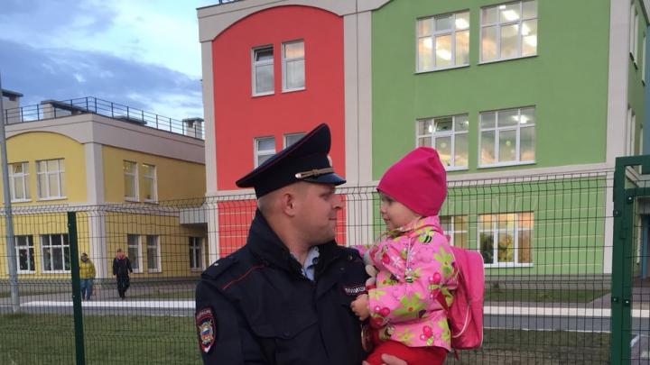 На своем месте: главу областной полиции поблагодарили за работу участкового на Мехзаводе