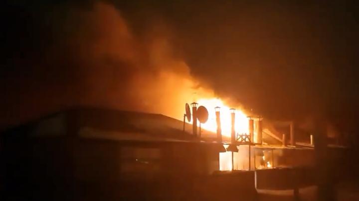 На Хилокском рынке загорелся павильон: кадры с места ЧП
