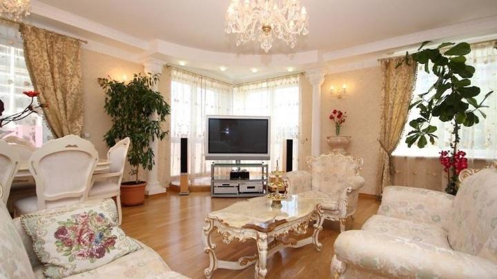 Скинули несколько миллионов: на какие дорогие квартиры в Екатеринбурге владельцы за год снизили цены