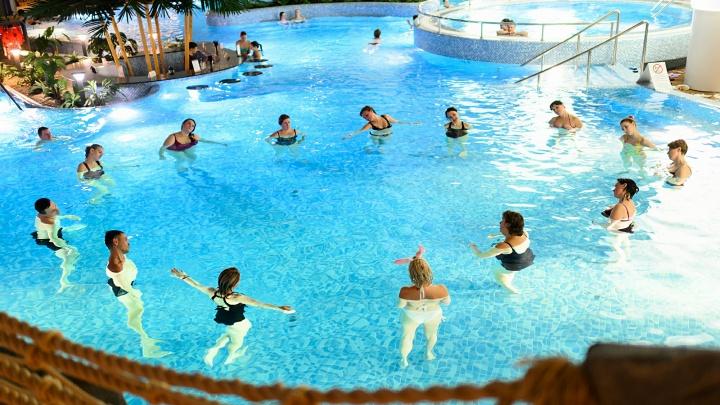 «Мира Термы» продают билеты на ночное посещение комплекса: обещают пенный массаж и жаркое парение