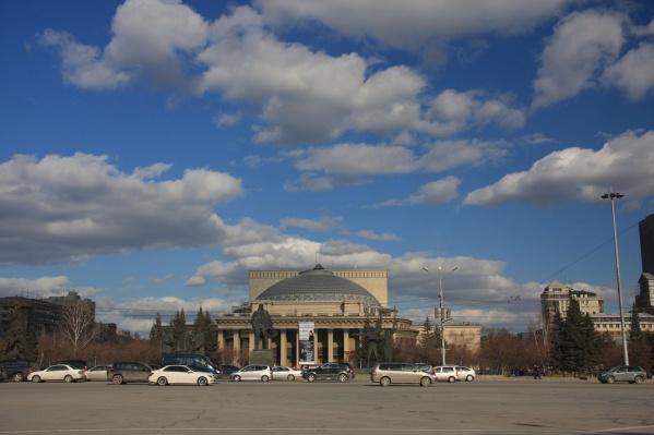 Одной из главных проблем Новосибирска горожане считают пыль на дорогах