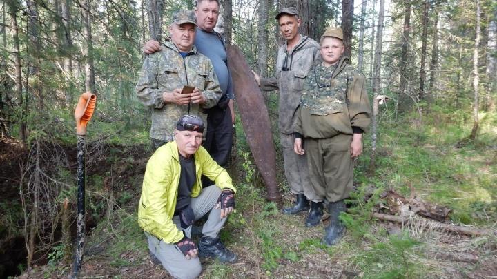 Под Красноярском выкопали куски американского истребителя с останками советского летчика