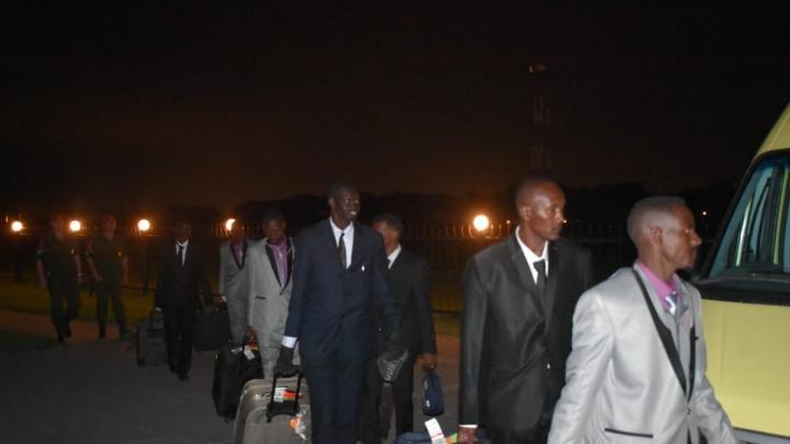 В Новосибирске высадились суданские разведчики в деловых костюмах
