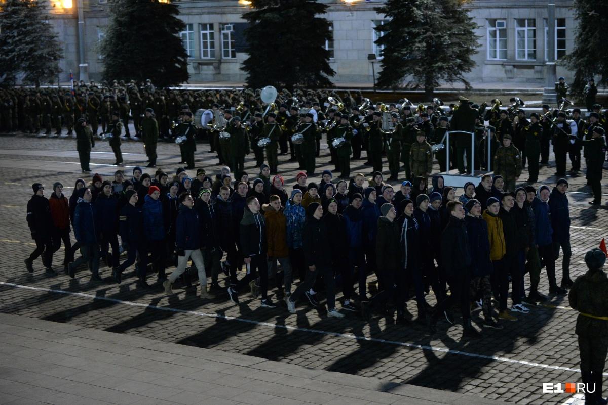 В репетиции парада приняли участие и юнармейцы, правда, они были без формы