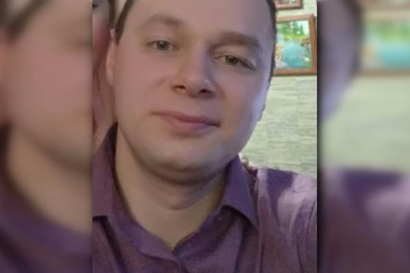 Сергея Окулова до сих пор не нашли. Поиски осложняются плохой видимостью на глубине