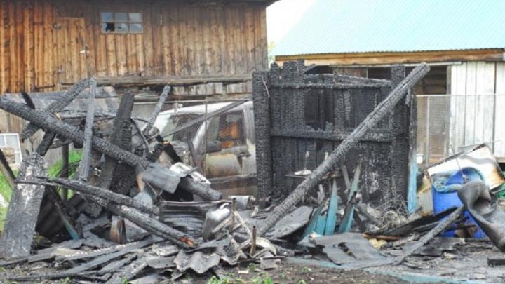 В одном из сел Башкирии сгорело хозяйство