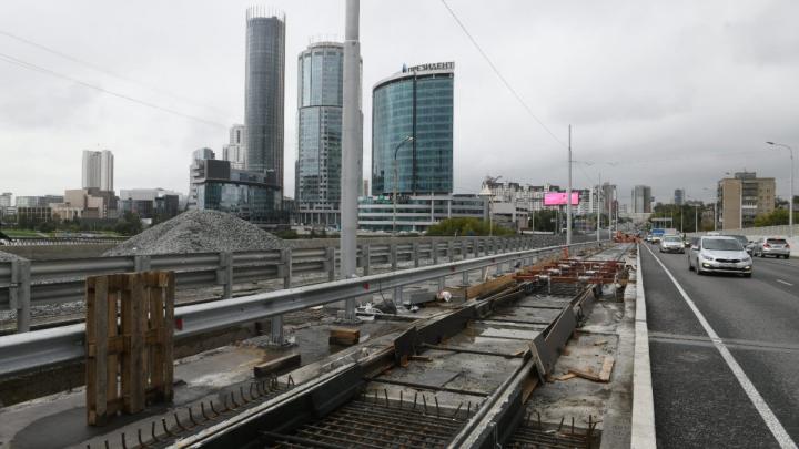 Макаровский мост закроют для автомобилей только после пятничных пробок