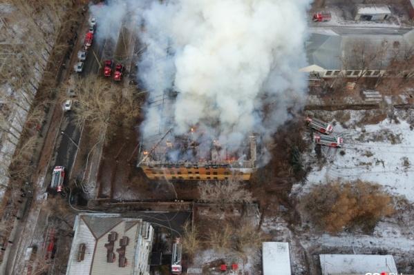 Здание сгорело в конце ноября