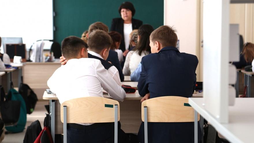 Родители — «против», учителя «за»  Радий Хабиров предложил ввести в 64e21cb4cc4