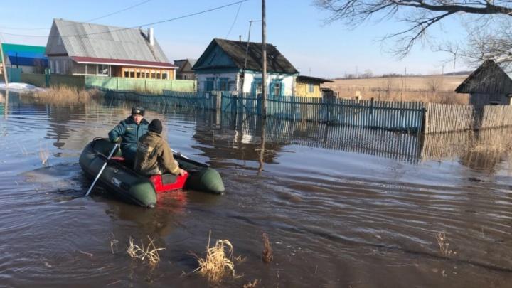 В Башкирию пришла большая вода: подтоплено 10 участков