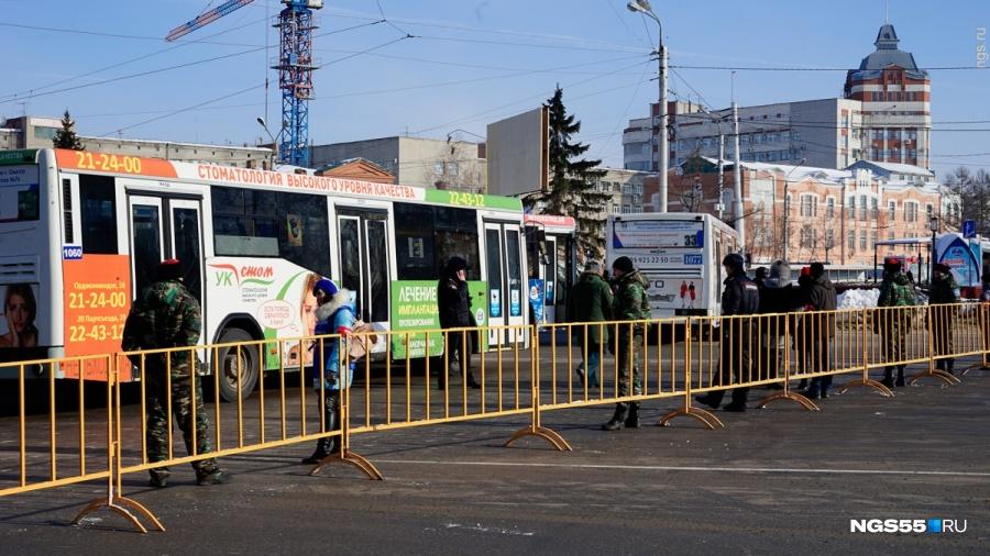 Ввыходные центр Омска закроют для транспорта