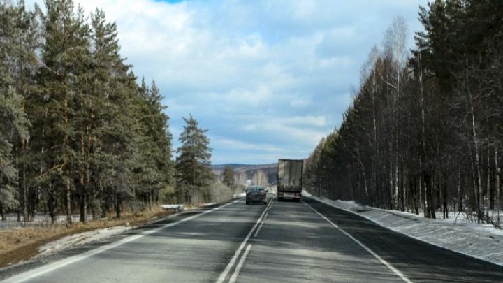 Молодой водитель фуры умер от приступа на трассе М-5 в Челябинской области