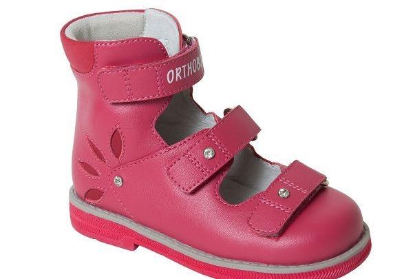 С 16 по 19 августа в салонах Ortix пройдет мегараспродажа детской обуви Orthoboom
