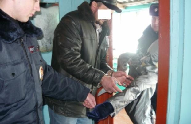 Житель Петуховского района ударил собутыльника вафельницей и добил ножом