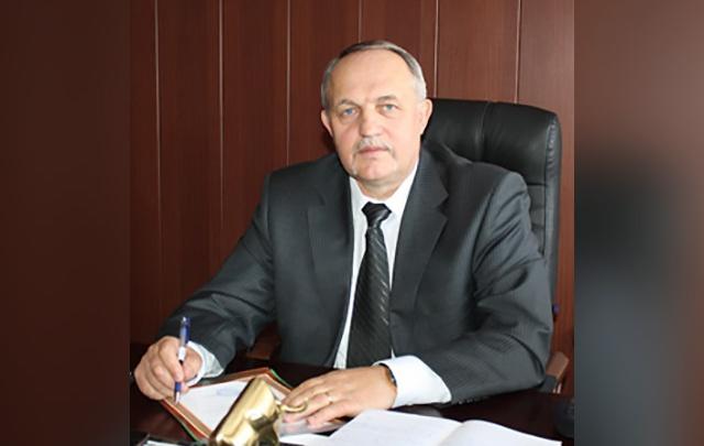 Пока глава Чебаркульского района работал, в его кабинете прошли обыски