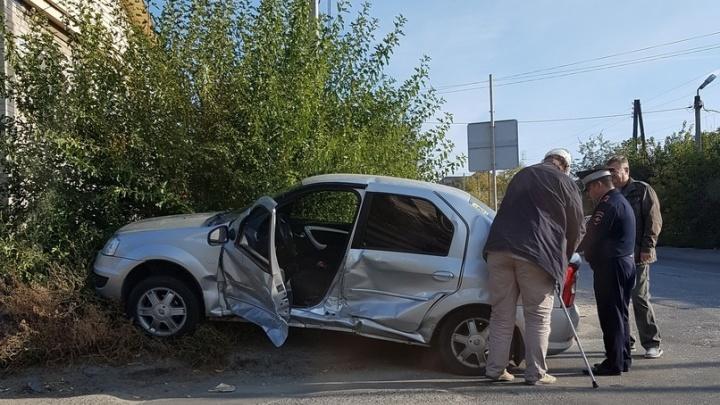 «Здесь каждый день бьются»: злополучный перекресток на Ангарском продолжает собирать свои жертвы