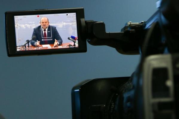 Игорь Орлов пообещал поддерживать открытый диалог с жителями региона, но только через соцсети