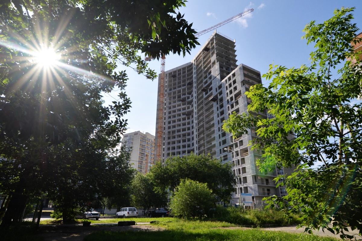 Как сэкономить на ипотеке: застройщик предложил не платить половину суммы, пока строится дом