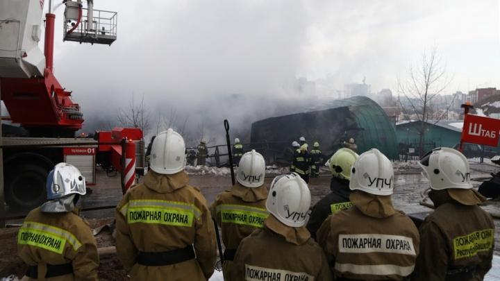 В пожаре на уфимской стройке погиб рабочий