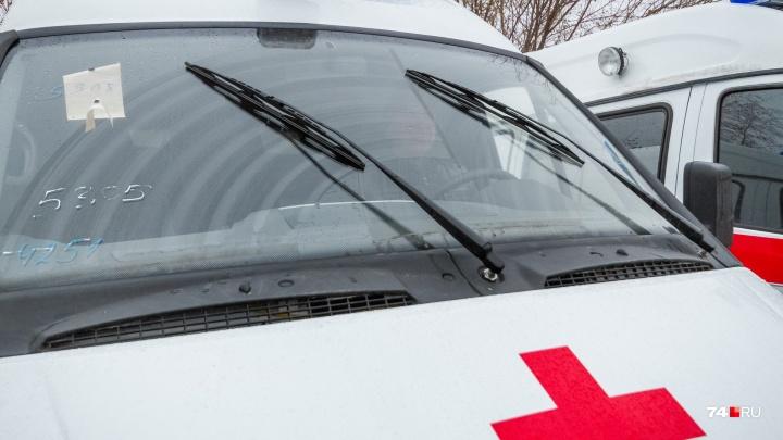 «Врачи не успели спасти»: в Челябинской области на остановке умерла женщина