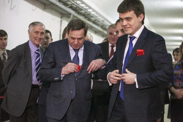 Александр Скринский (на фото слева) получит награду из рук президента уже сегодня